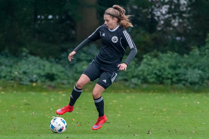 Laura Riesenbeck spielte in der Innenverteidigung ein überragendes Turnier. (Foto: Oliver Baumgart)