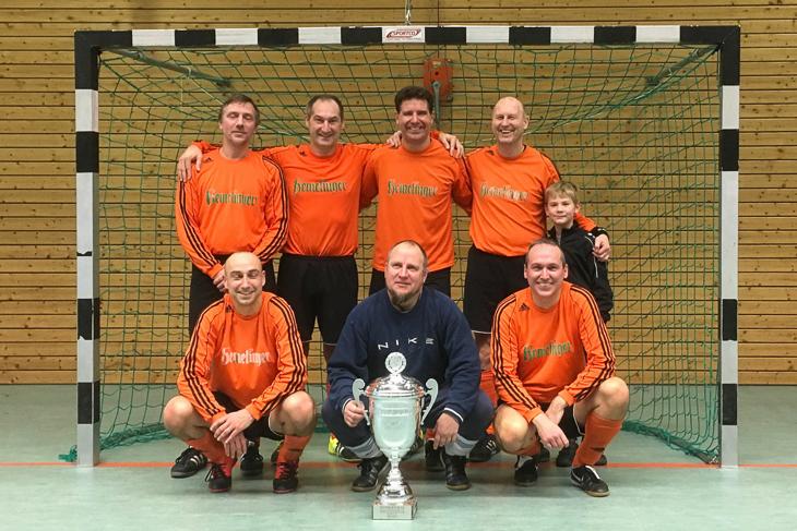 Die SV Hemelingen ist Futsalmeister der Ü 40-Senioren. (Foto: Fred Michalsky)