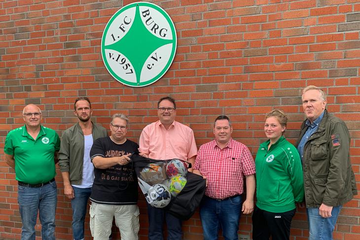 BFV-Präsident Björn Fecker (m.) traf sich mit dem Vorstand des 1. FC Burg zum Vereinsdiaolog. Foto ist für redaktionelle Zwecke honorarfrei. Kein Model Release. Bildnachweis beachten!